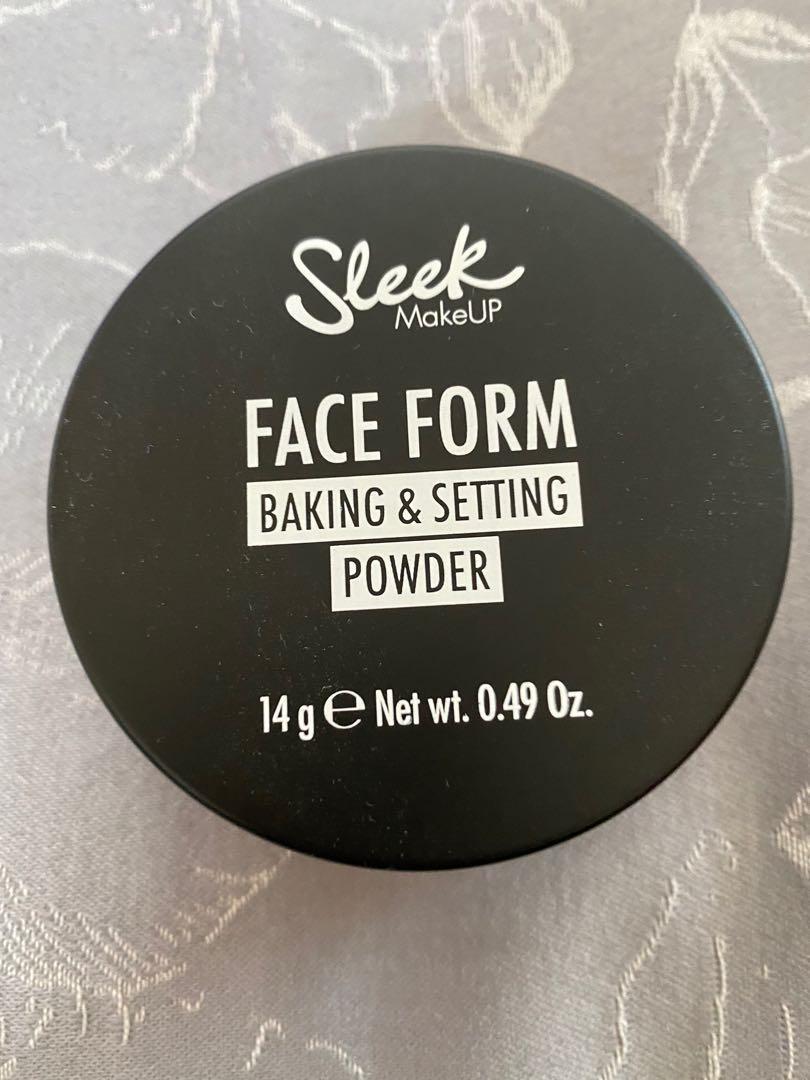 Sleek makeup baking and setting powder medium