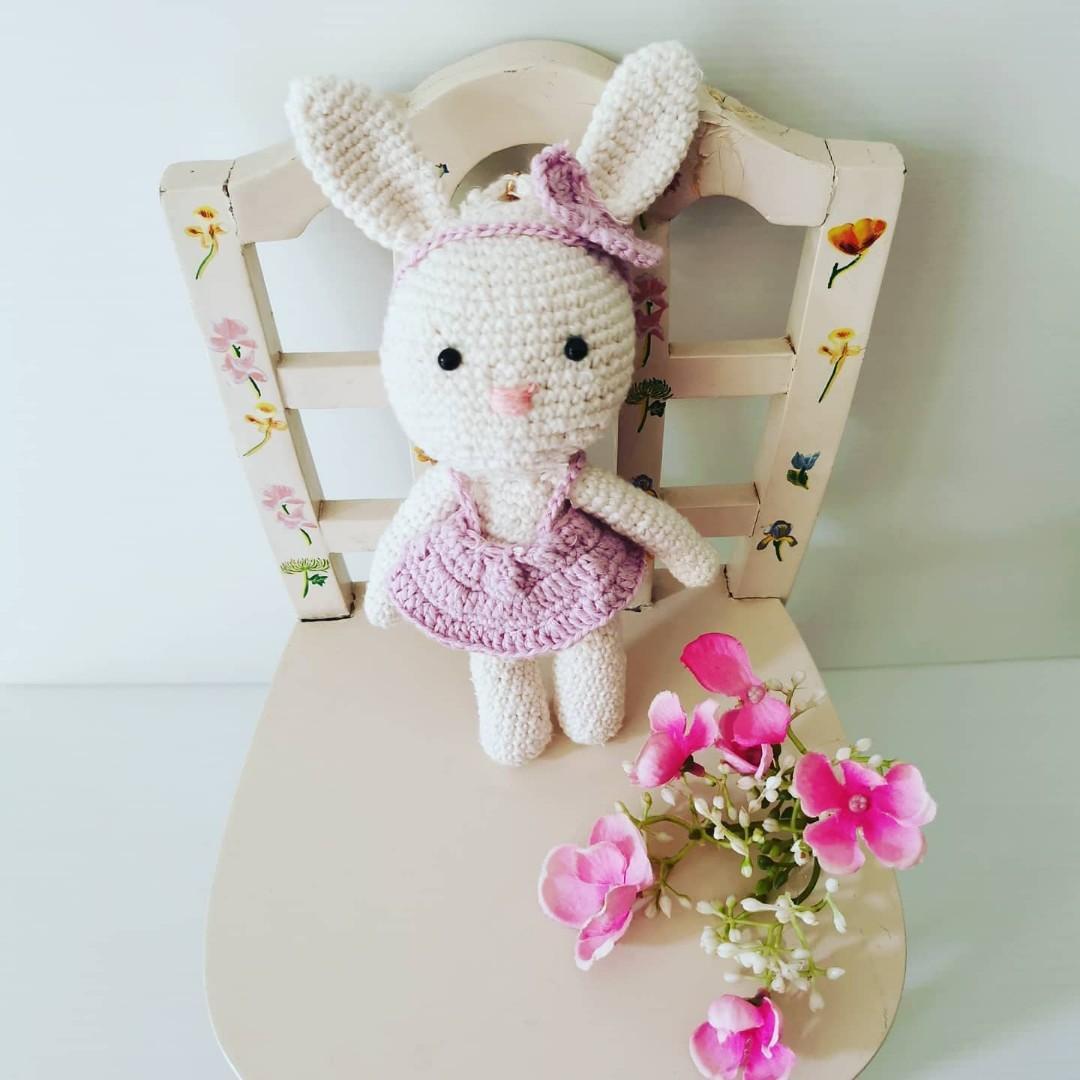 Boneka Kelinci Amigurumi