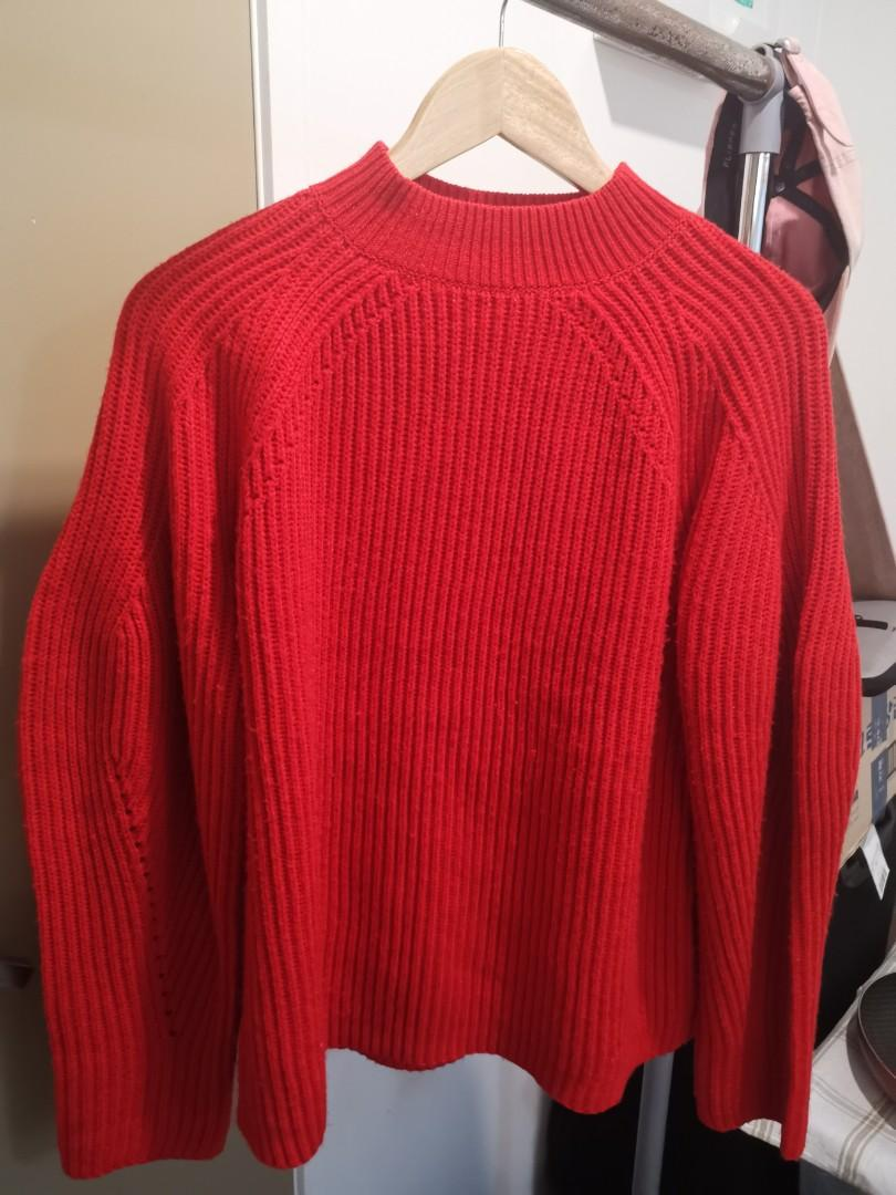 Red jumper oversized 8