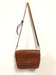 棕色風琴小包包