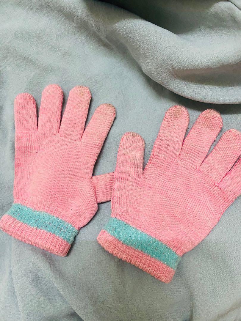 手套給需要的人