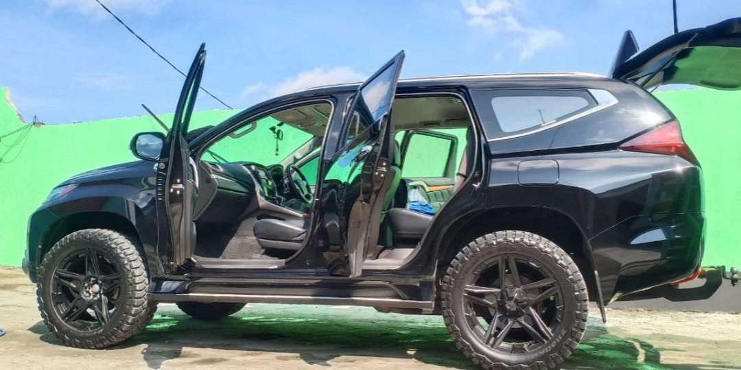 Jual pajero sport Dakar 4x2 tahun 2017 warna hitam