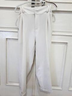 Celana bigsize (broken white)