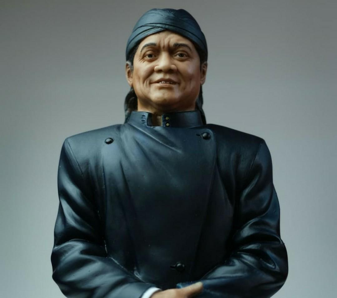 LIMITED STOCK!! Memorial statue of Lord Didi Kempot