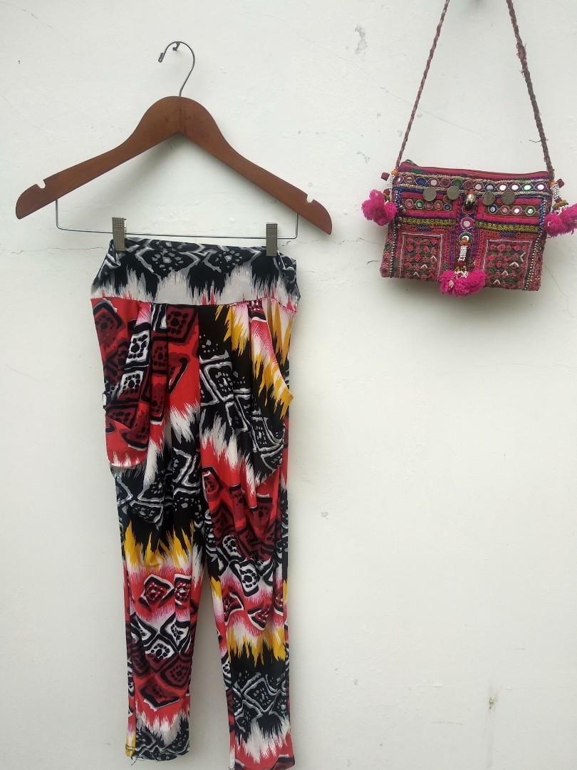 Celana Motif Abstrak Size M Legging Fesyen Wanita Pakaian Wanita Bawahan Di Carousell