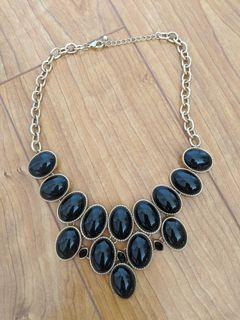 Forever 21/F21 - Black Chunky Round Necklace/ Jewelry