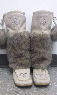 Santana Canada Suede Moccasin Boots Size 6