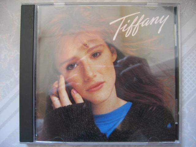 Tiffany - 同名 CD (日本版) (附英日歌詞) (Beatles 名曲 - I saw him standing there)
