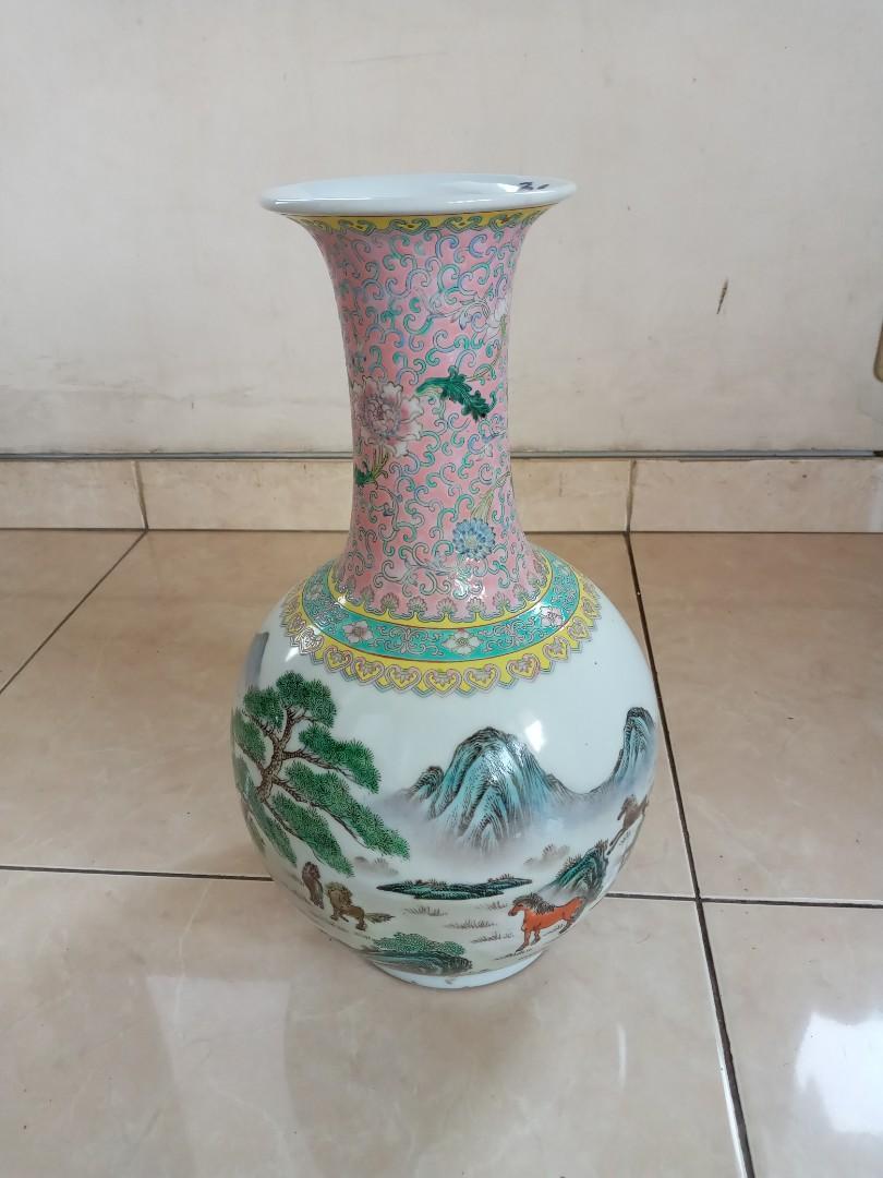 Keramik Antik Guci Gambar Kuda