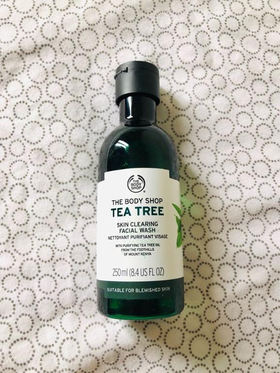 The Body Shop Tea Tree Oil Skin Clearing Facial Wash