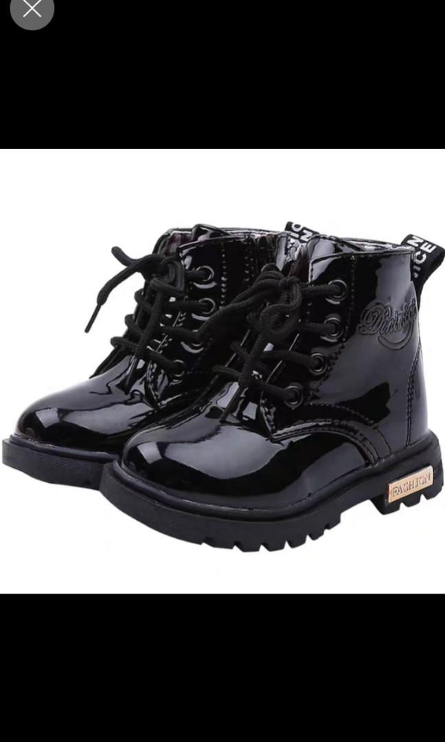 kids shoe size 22