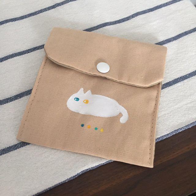 白貓小方包
