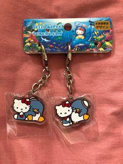 Hello kitty x tuxedo sam plastic keychain