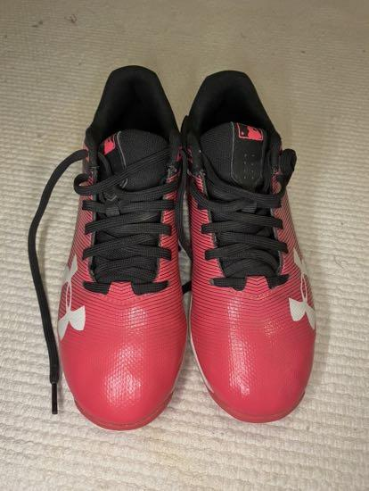 Kids under armour baseball cleats size 1.5 youth