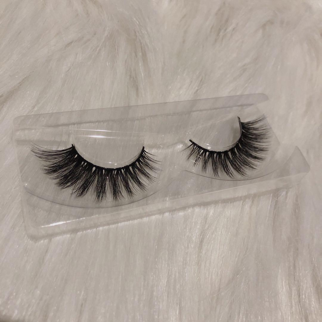 Natural Demi Wispy Mink Lashes