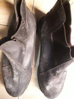 Sepatu safety welding