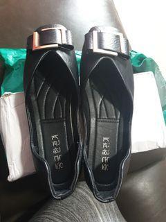 Black Shoe for Woman