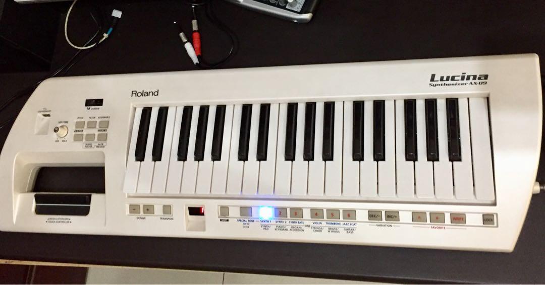 Dijual Murah keyboard ROLAND LUCINA AX-09 Synthsizer (Keytar) Nego