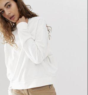 H&M white crewneck