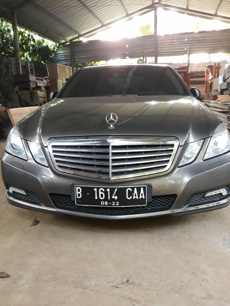 Mercedes Benz e300 th2010