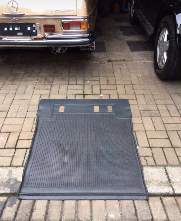Mercedes W463 cargo tray / trunk mats / karpet bagasi original untuk jip mercy