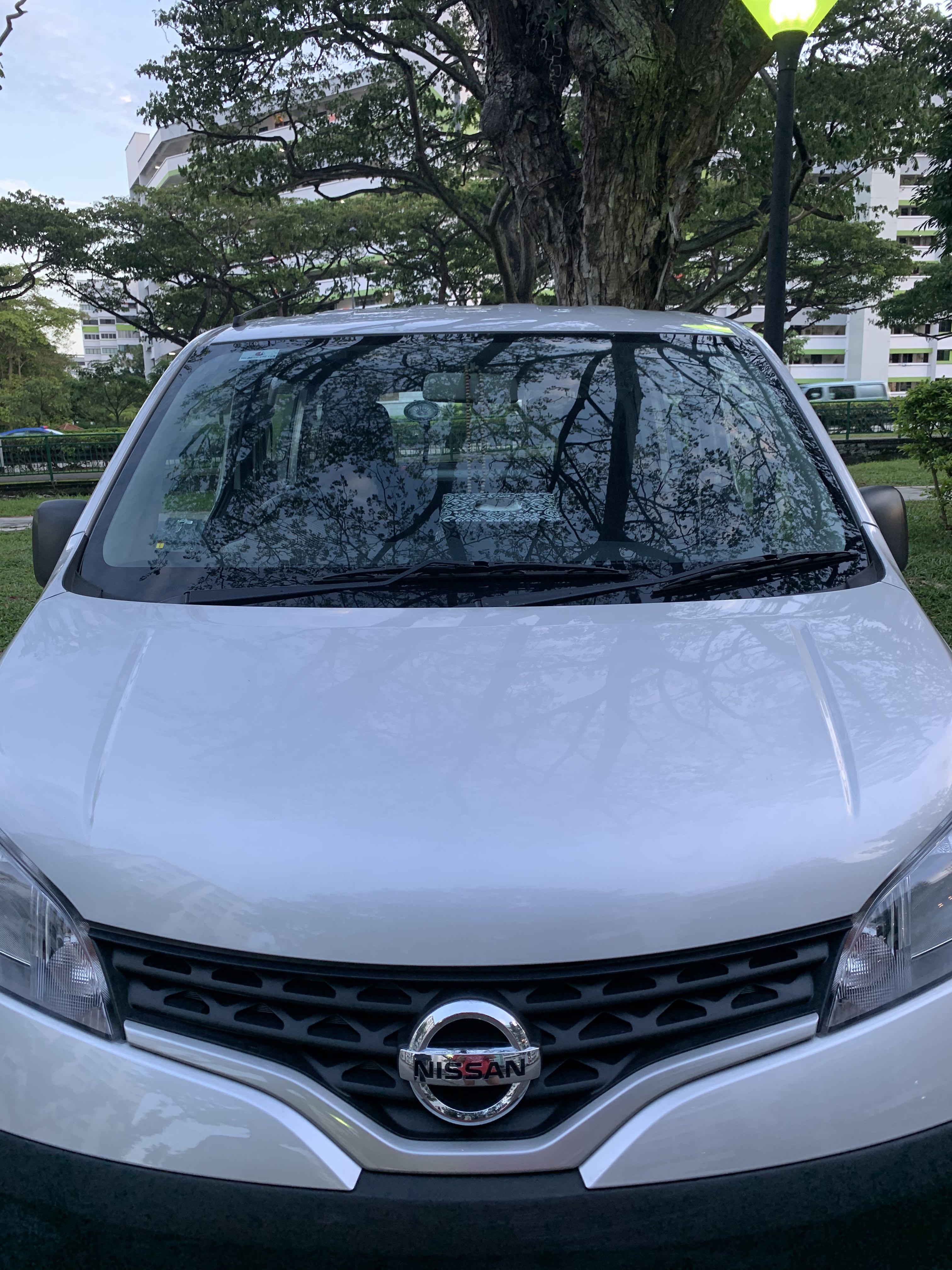 Nissan NV200 ( TAKEN )
