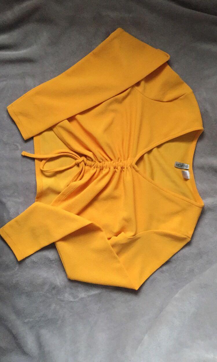 Orange / yellowish long sleeve crop top