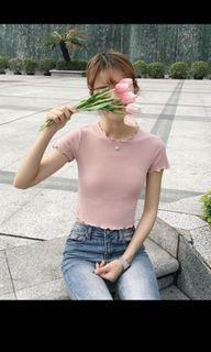 粉色短版上衣