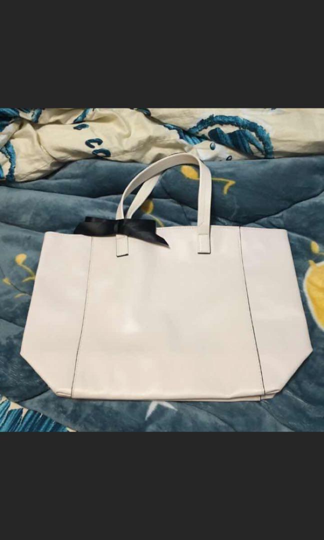 白色大容量托特包