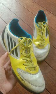 mizuno futsal shoes philippines