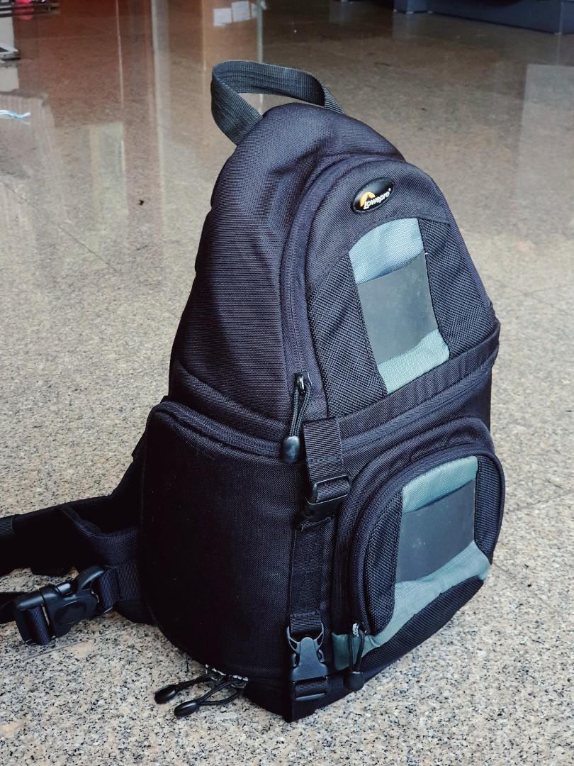 Lowepro Slingshot 100 Aw Dslr Camera Bag Men S Fashion Bags Wallets Backpacks On Carousell