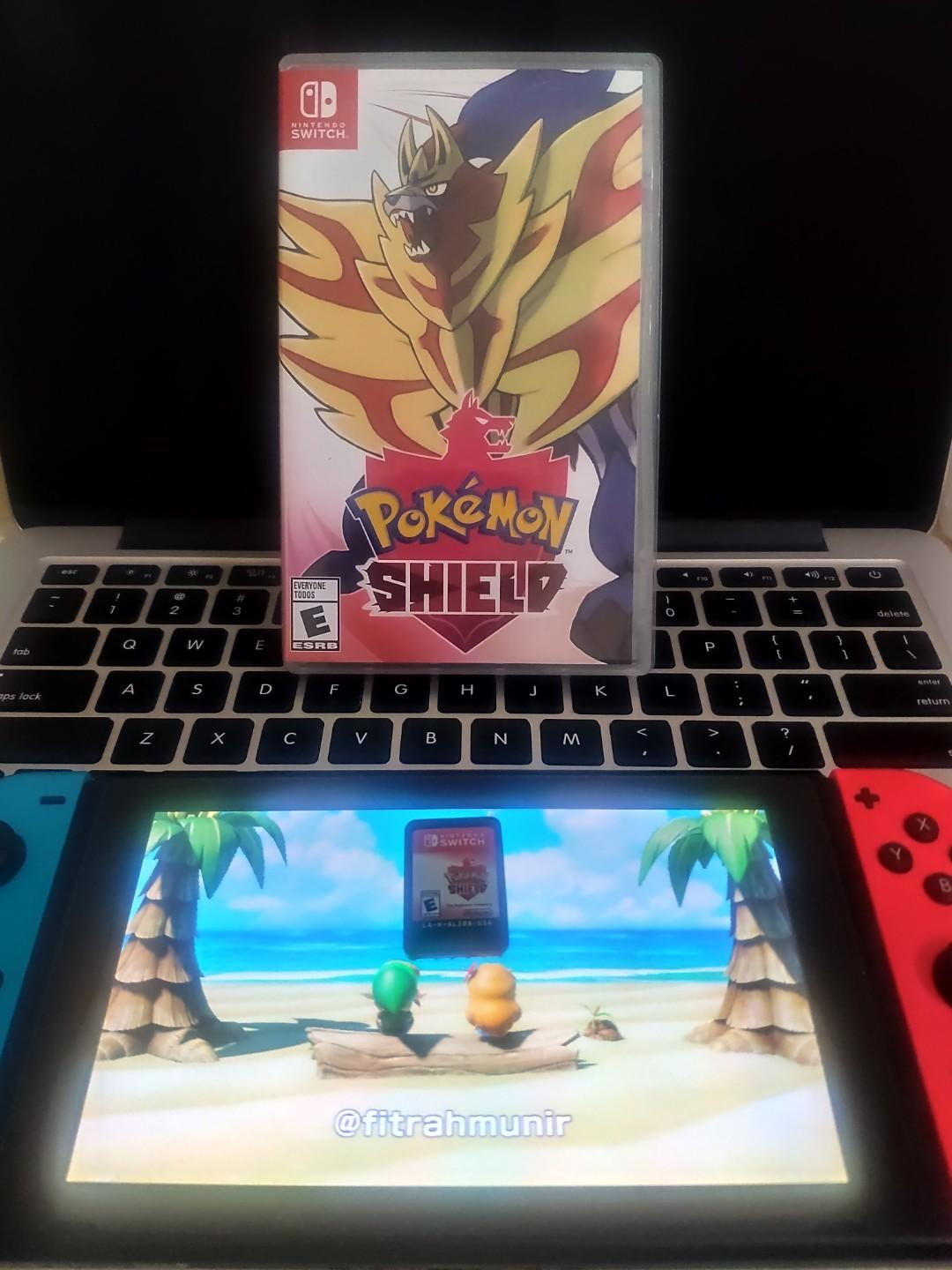 Pokemon Shield - Nintendo Switch Game Card / Cartridge