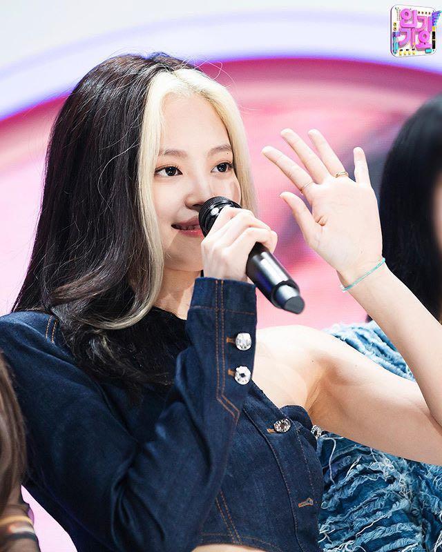 BLACKPINK 金智妮 Jennie 同款 韓國Ins 爆紅款 串珠 手環 客製手工款  天空 水晶藍 雛菊 周邊