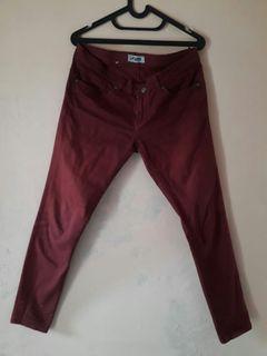 Celana jeans lois maroon