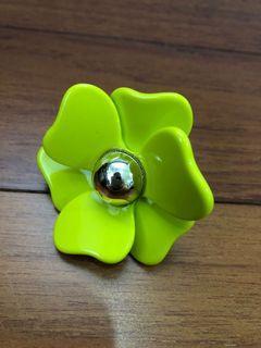 Costume Jewelry - Flower Ring