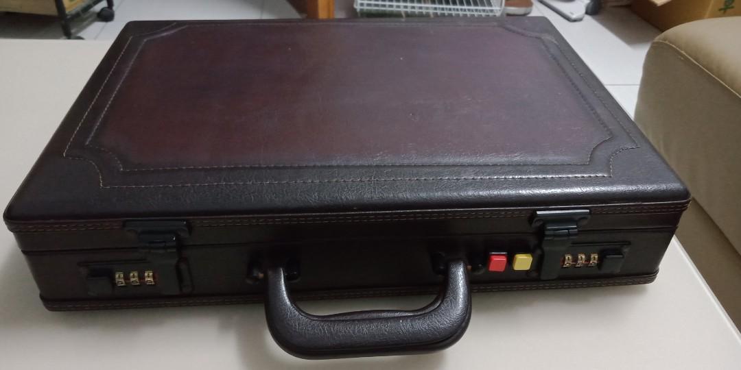 代賣古著皮箱長42 寬9 高9 議價不含運 不議價含運 要議價在討論