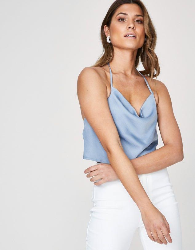 Alice in the eve backless top