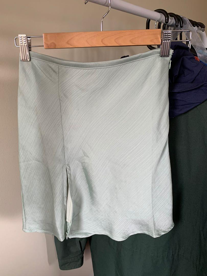 Alice in the eve green skirt (with slit)
