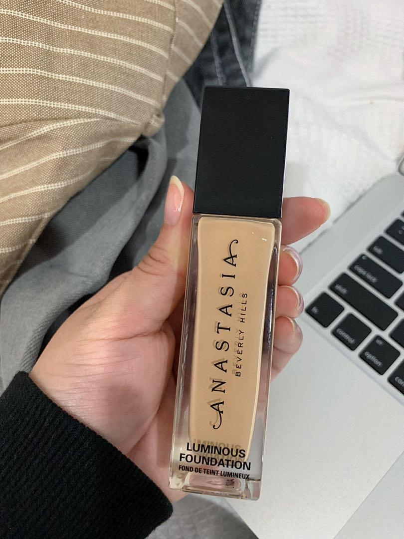 Anastasia Beverly Hills foundation