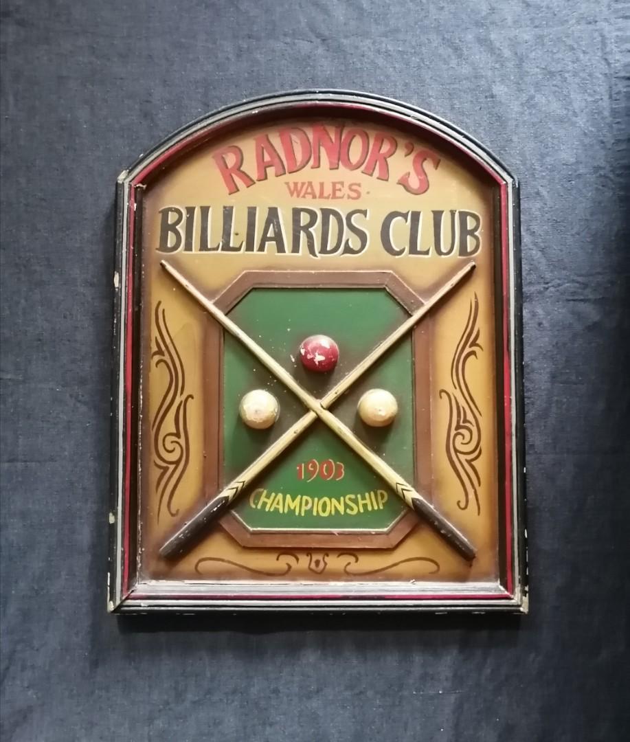 Billiards Club sign