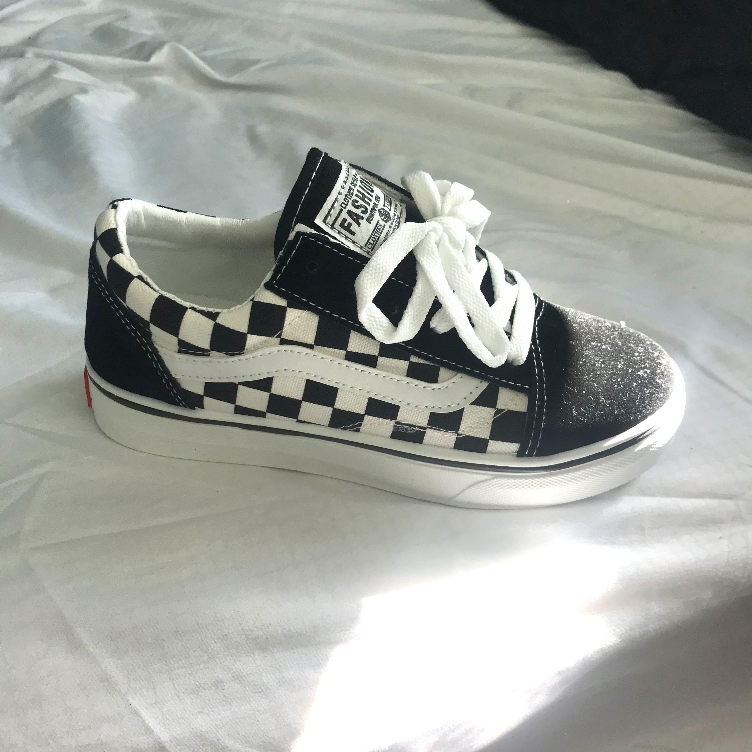 Faux Vans Checkerboard converse