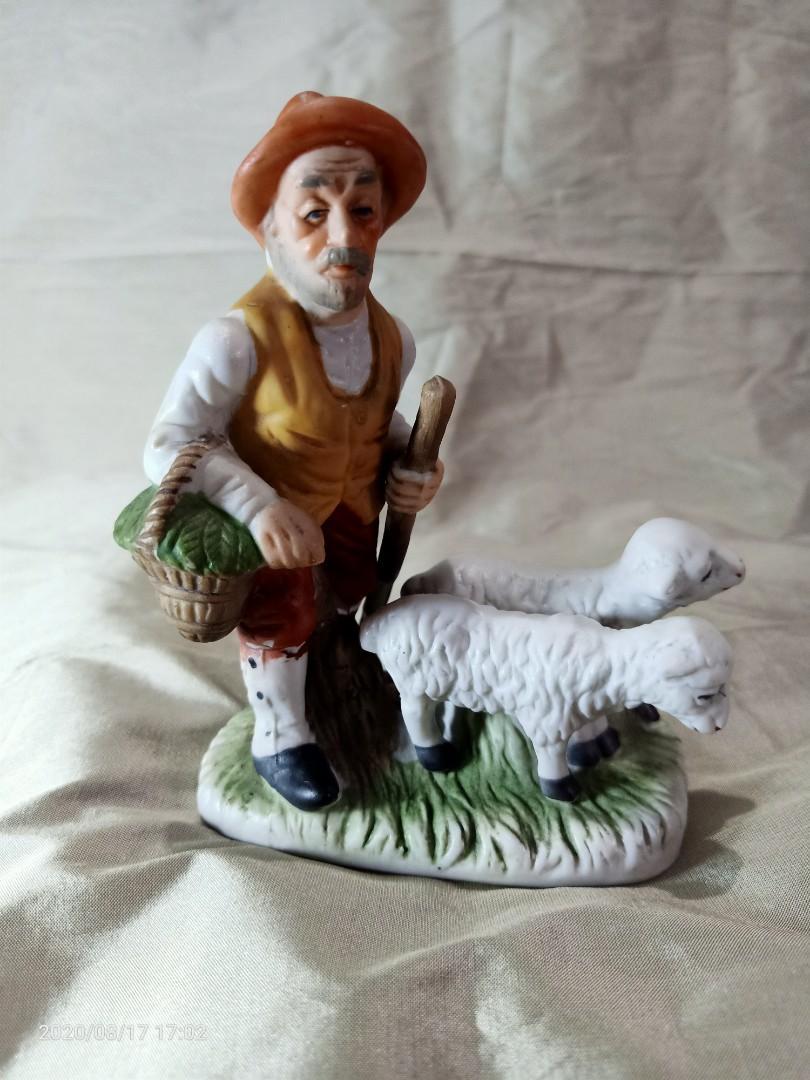 Patung keramik gembala