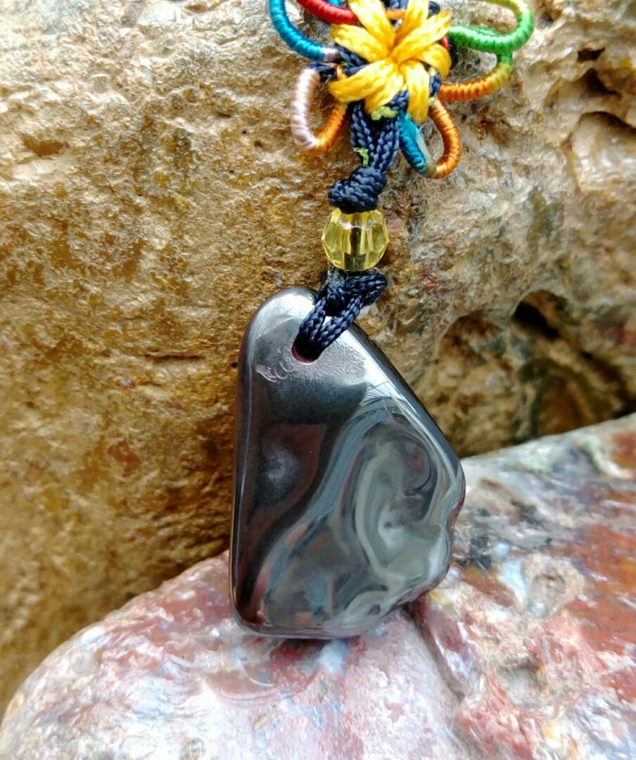 老珍藏天然高品質西藏天鐵隕石自然形手工精磨吊飾/重約8.5公克,精緻拋光物件美,珍珍藏品出清
