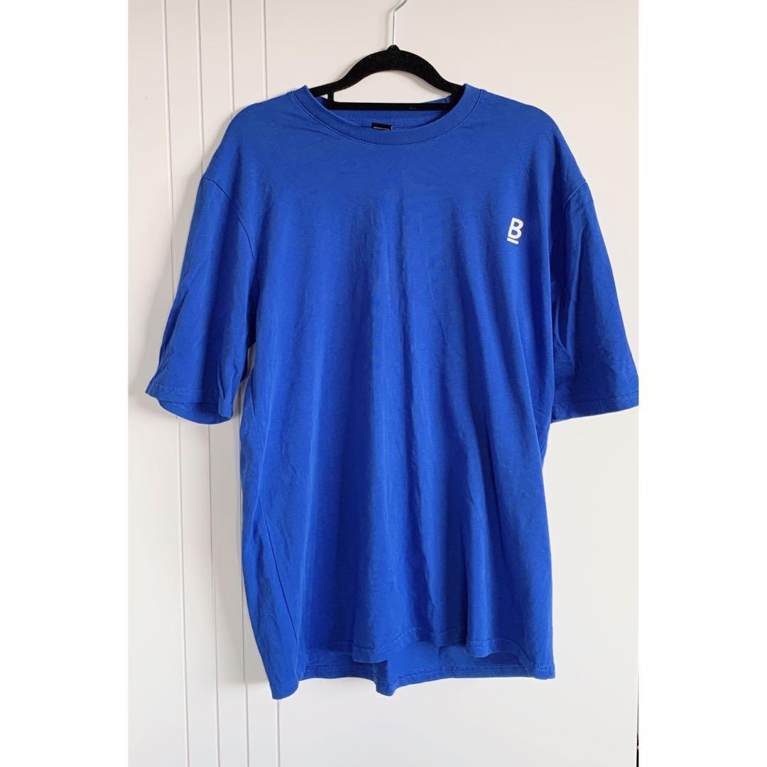 blue men's shirt - m