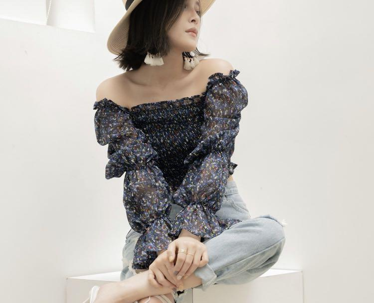 Mellow co French Style top Blue/black