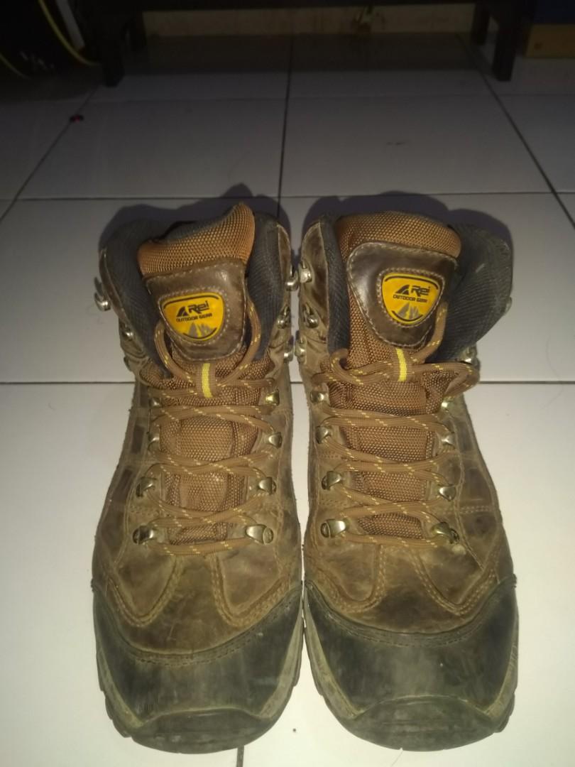 Sepatu Gunung Outdoor Arei waterproof sz 42