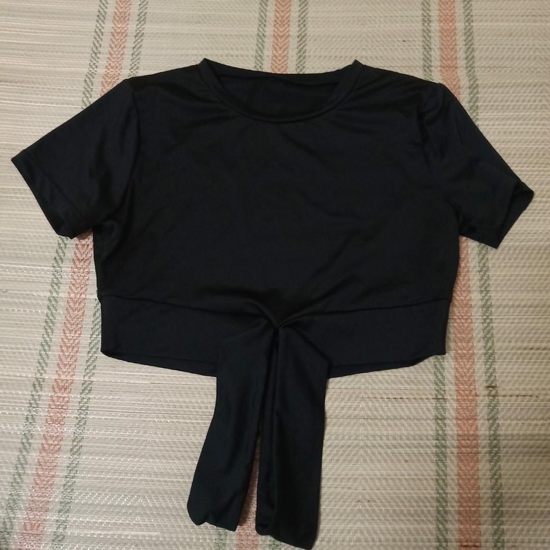 購物滿200就贈送短款小衫