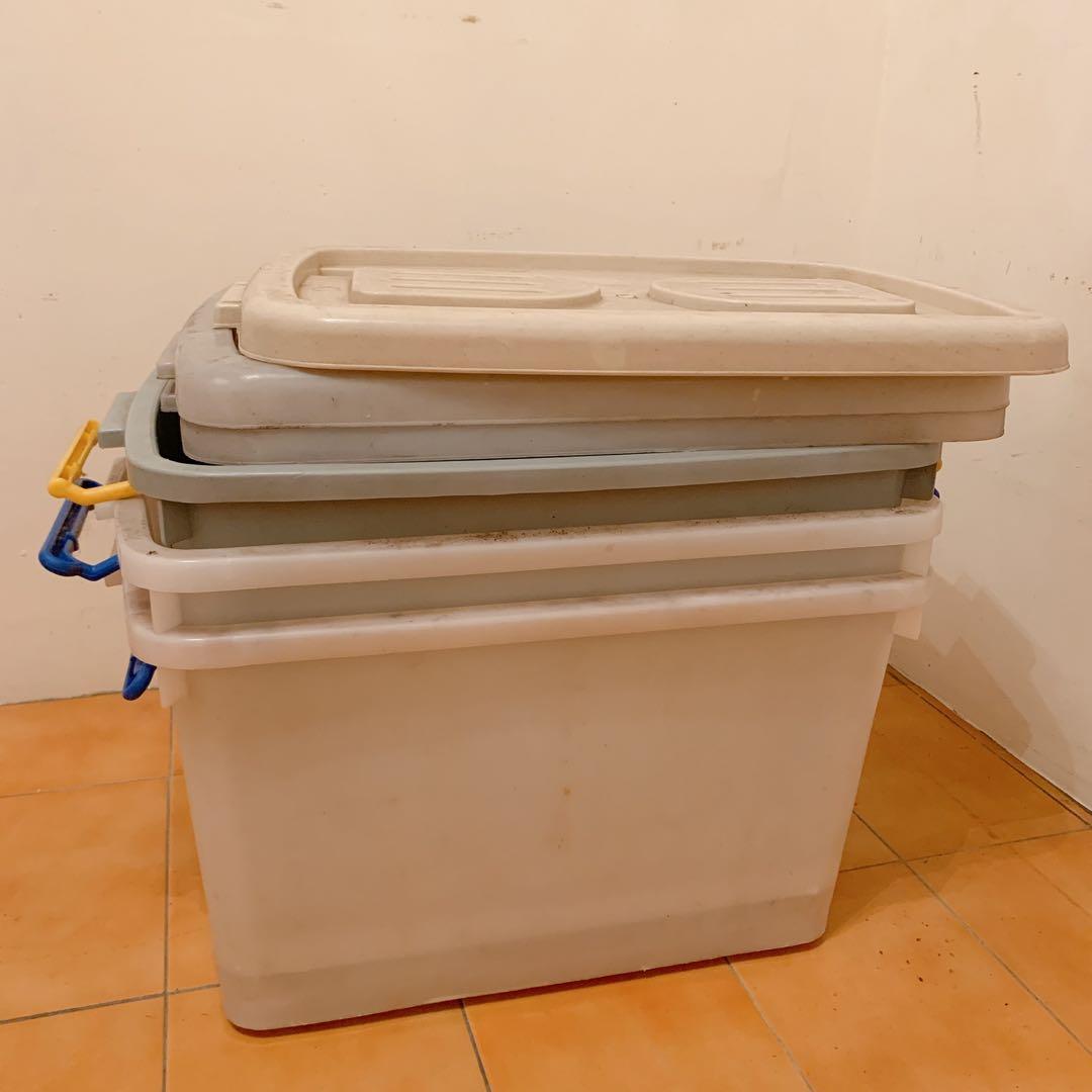 有三個 整理箱 贈送 板橋自取