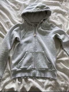 Aritzia TNA hoodie size small