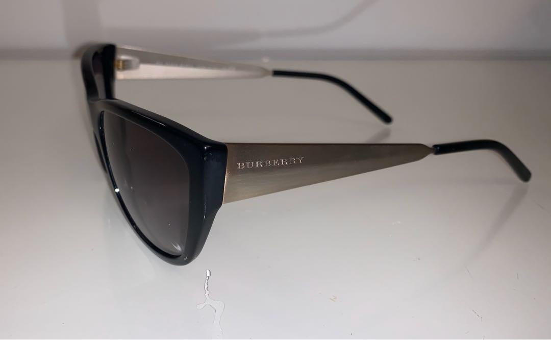 Burberry Sunglases